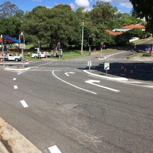 Line arrow road markings