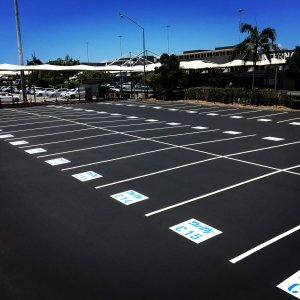 Line markings for parking bay