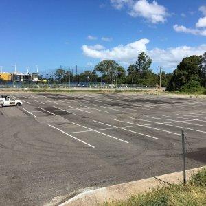 Parking bay column line marking