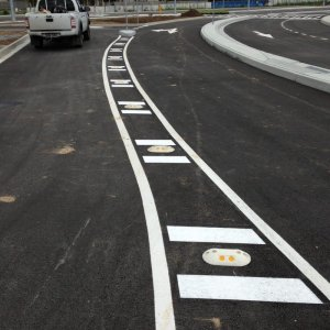 Road markings with reflectors